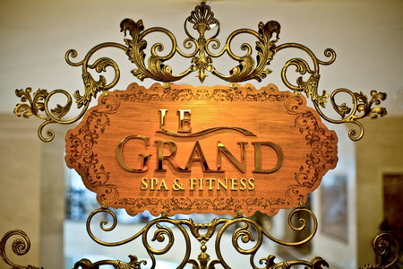 Standard-Chartered-khuyen-mai-tai-le-grand-spa-fitness